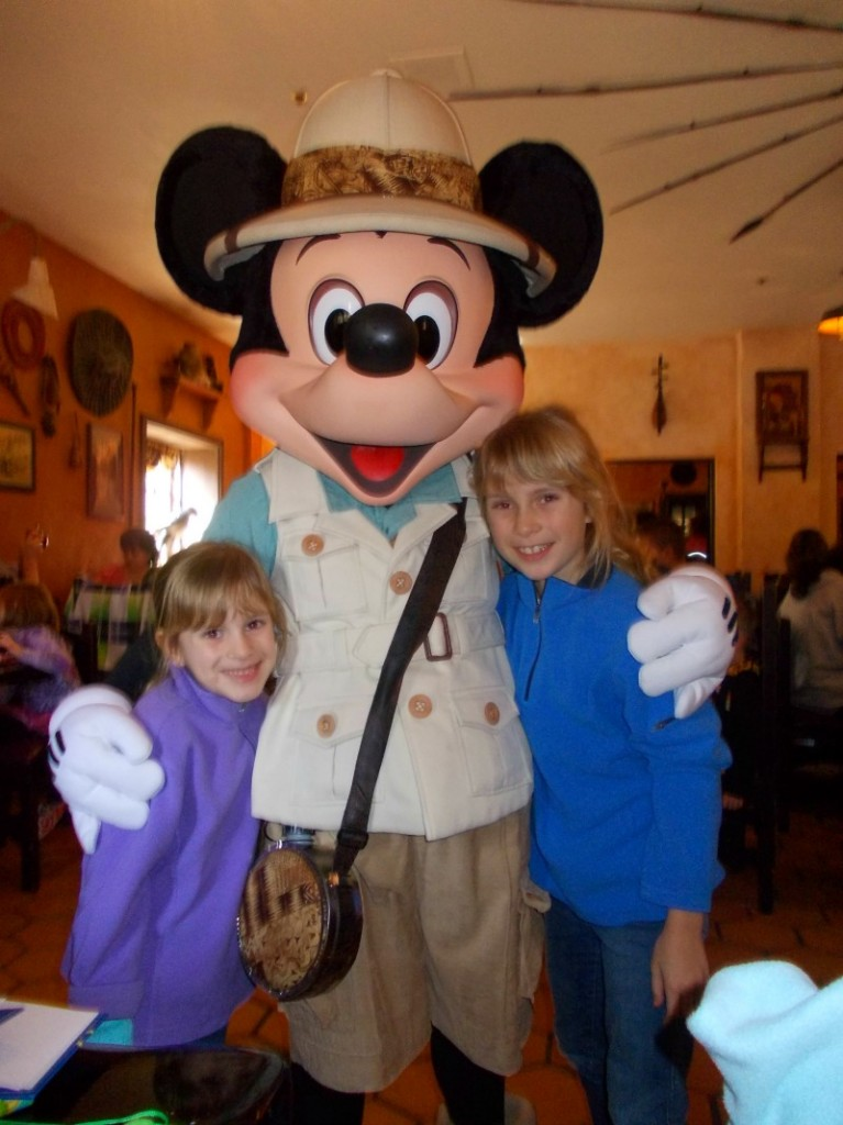 Safari Breakfast Mickey Mouse