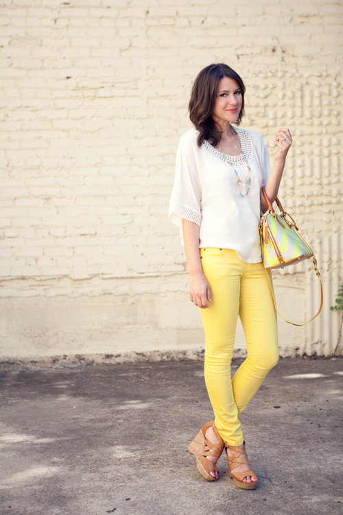 Fashion Friday Sunshiny Day Denim (How to Wear Yellow Jeans) | Blonde Mom Blog
