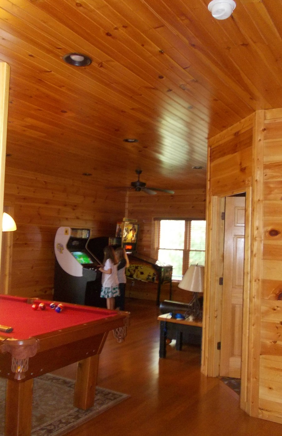 Gatlinburg Falls Cabin Game Room
