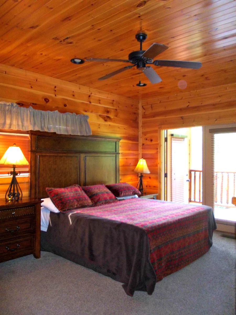 Large Gatlinburg Cabin