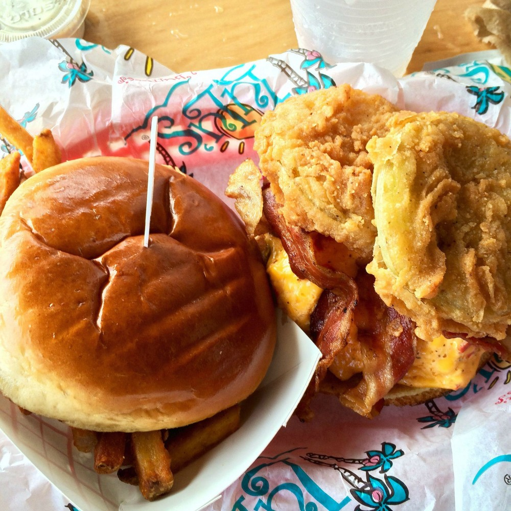 Lulus Burger Gulf Shores